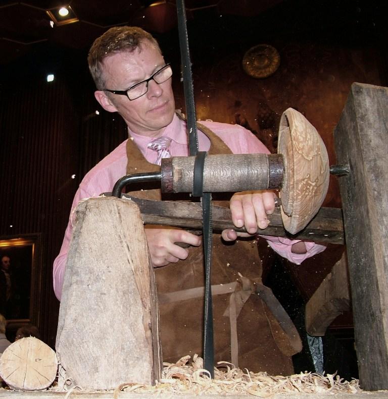 Robin Wood-Wizardry in wood-London-2012-Stuart King image